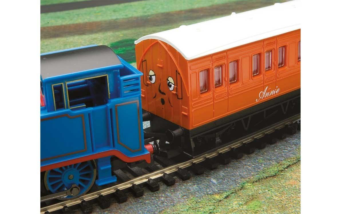 350e916ed5d Hornby Thomas   Friends™ - Thomas the Tank Engine Train Set