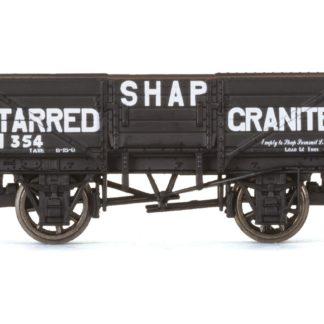 Hornby 5 Plank Wagon, Shap Tarred Granite - Era 3